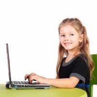 Cómo deben sentarse los niños para mantener una espalda sana