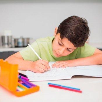 Cómo organizar la zona de estudio de los niños