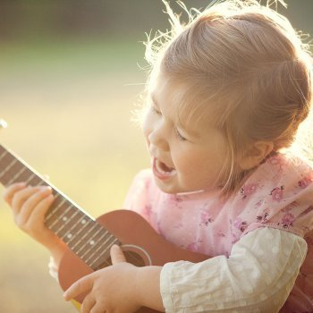 Los beneficios de las canciones para los niños
