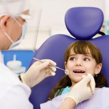 Cuando llevar los niños al dentista