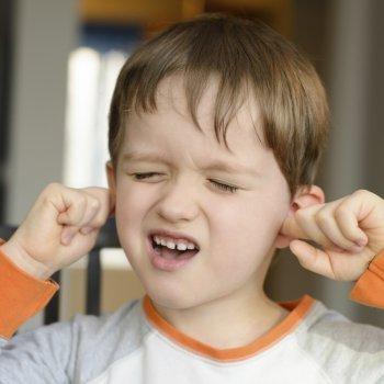 El dolor de oídos de los niños