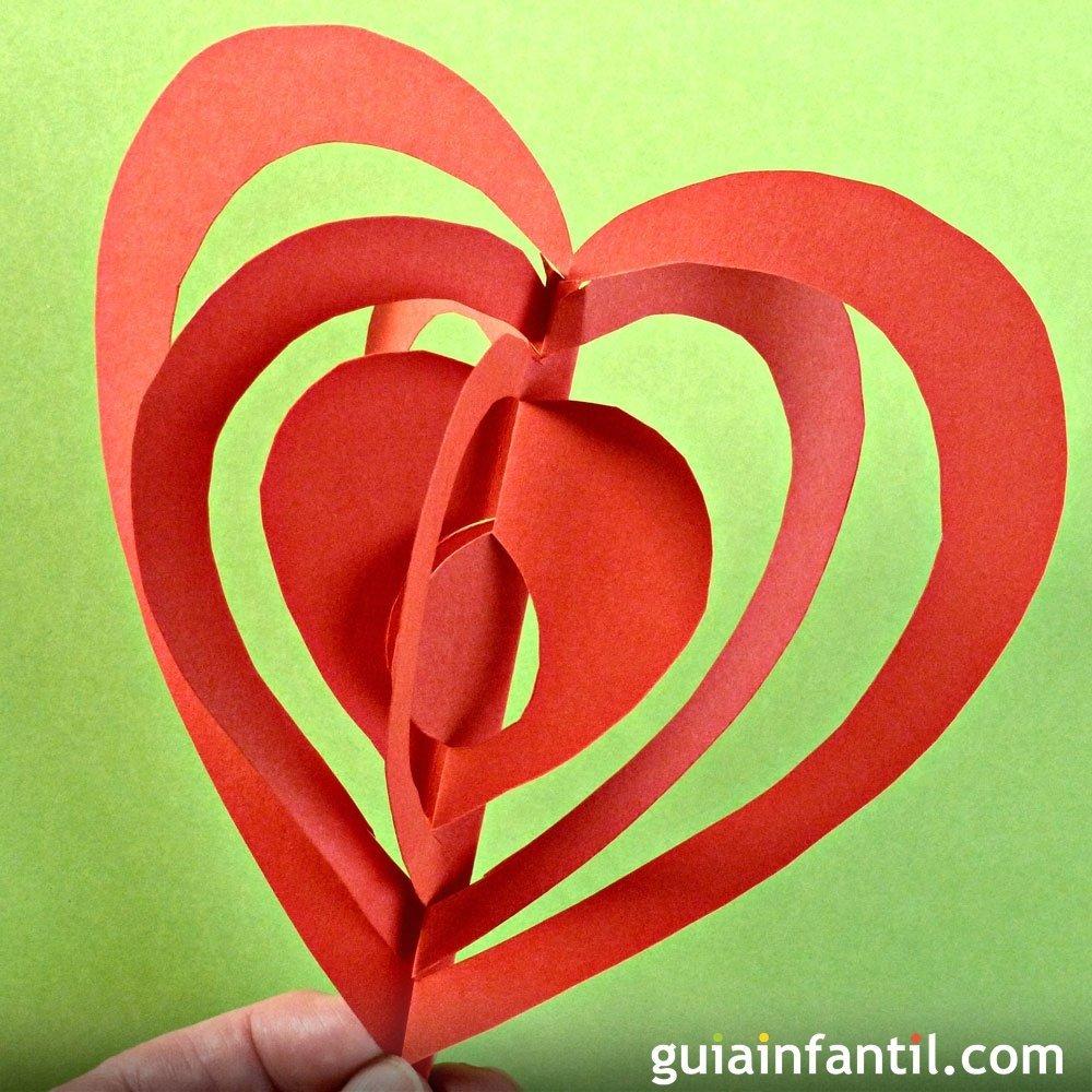 Corazón en 3D. Manualidades con papel para niños