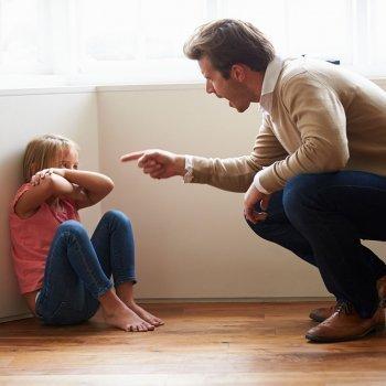 Padres que perjudican a sus hijos