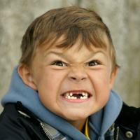 Que significa si el niño sueña que se le caen los dientes