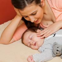 Cómo ayudar a dormir al bebé con aromaterapia