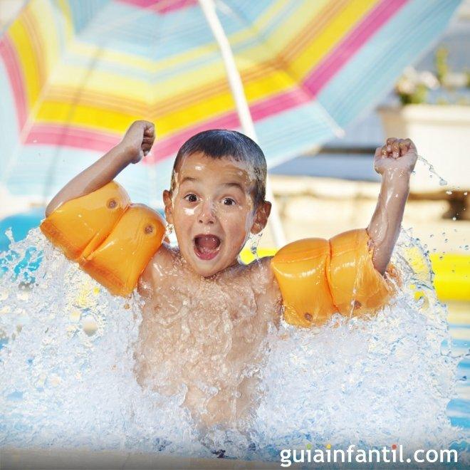 Juegos para ni os en la piscina for Piojos piscina