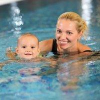 Trucos para enseñar a nadar a los niños