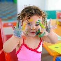 Cómo eliminar manchas de pintura de la ropa infantil