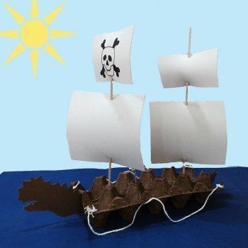 Barco con hueveras