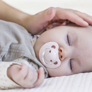 Qué es la plagiocefalia en bebés
