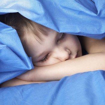 Cómo retirar el pañal de los niños por la noche