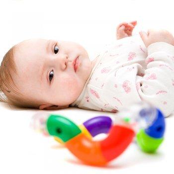 Juegos visuales para niños de 0 a 5 meses