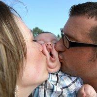 Besos divertidos y originales entre padres e hijos