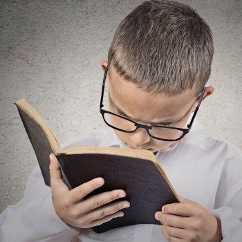 Cómo detectar problemas de visión en el niño cuando lee