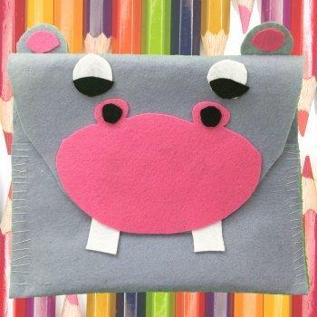 Estuche de lápices de un hipopótamo. Manualidades con fieltro