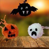 Calabaza, murciélago y fantasma de Halloween. Manualidades con pompones