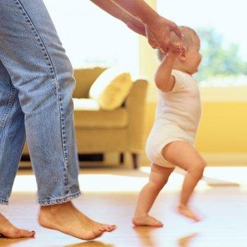 6 consejos para ayudar a andar a los bebés