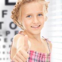 Lentes de contacto para corregir la miopía en los niños