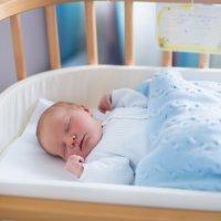 Cómo conseguir que el bebé diferencie entre el día y la noche