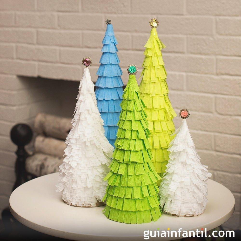 Rbol navide o con flecos de papel manualidades originales for Cosas decorativas para navidad