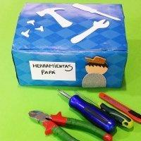 Caja de herramientas casera. Manualidad de reciclaje