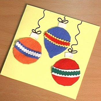 Postal de bolas de navidad manualidades con fieltro for Tarjetas de navidad hechas por ninos