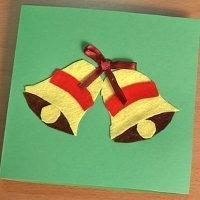 Postal de Navidad con campanas. Manualidades con fieltro