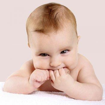 El beb de cuatro meses de edad - Bebes de tres meses ...