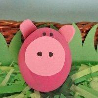 Cerdito rosa. Manualidades infantiles con huevos