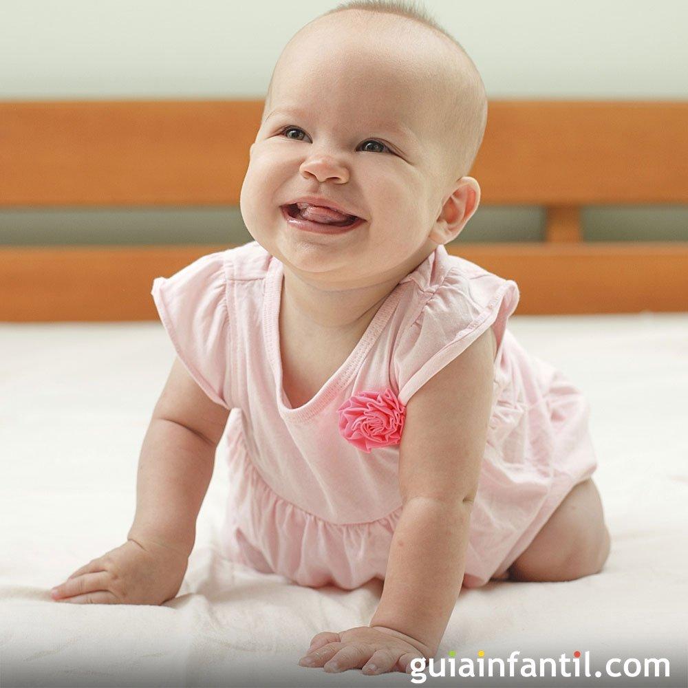 Beb de ocho meses crecimiento del beb mes a mes - Cuantas comidas hace un bebe de 8 meses ...