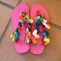 Chanclas hawaianas. Manualidad con globos para niños