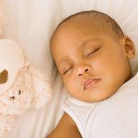 Cómo deben dormir los bebés y niños