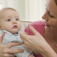 Pruebas para detectar la sordera en los bebés