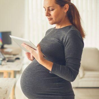 Desarrollo del bebé mes a mes El crecimiento sano de