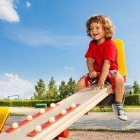 Consejos de seguridad en los parques infantiles para niños
