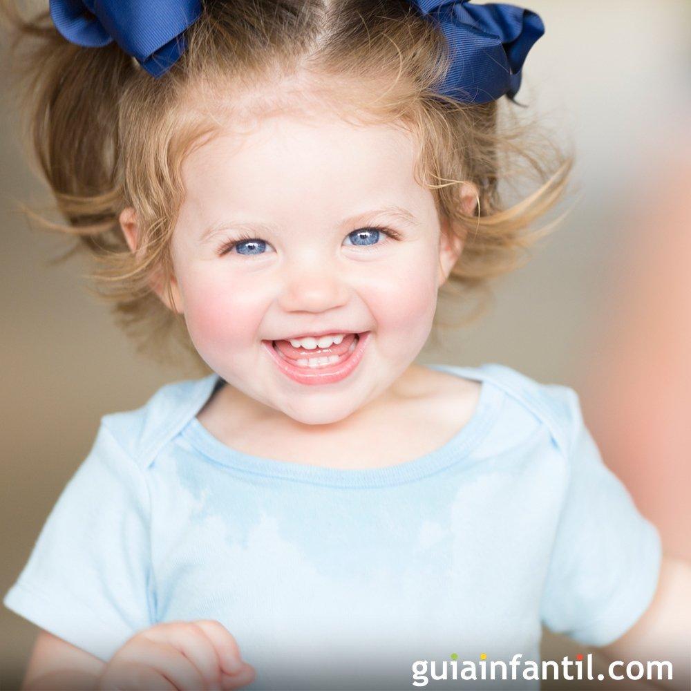 Bebé de once meses. Crecimiento del bebé mes a mes