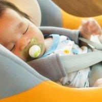 Viaje seguro. El mejor medio de transporte para los niños