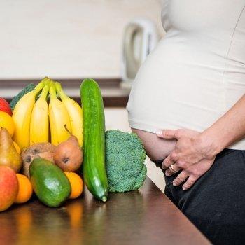 Cómo combinar los alimentos en el embarazo