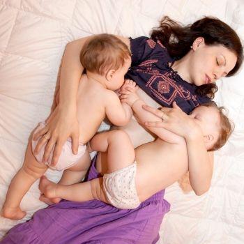 Lactancia materna de gemelos