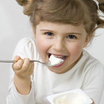 Alimentos que ayudan a prevenir las caries en niños y embarazadas