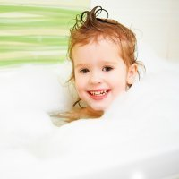 Trucos para eliminar la caspa del pelo de los niños
