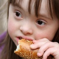 La alimentación complementaria en niños con Síndrome de Down