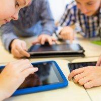 Cómo afecta el uso de smartphones y tablets a la salud visual de los niños