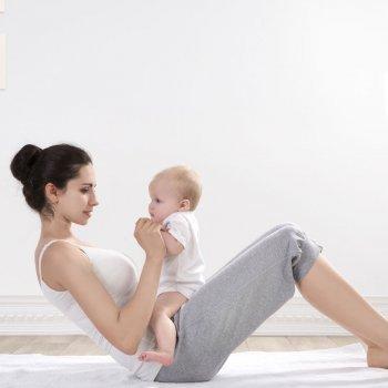 Vídeos de ejercicios para el posparto con el bebé