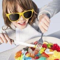 Cómo afectan conservantes y colorantes alimentarios a los niños