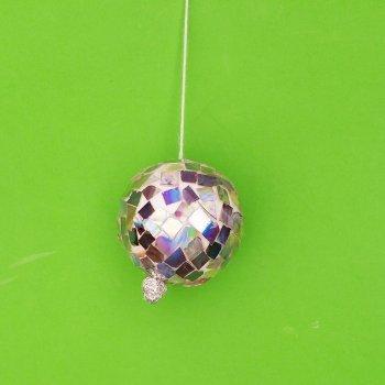 Bola de discoteca con CDs. Manualidades de reciclaje
