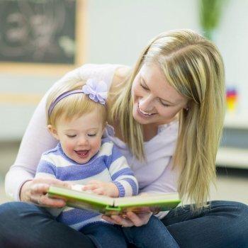 Cómo acercar la lectura a bebés