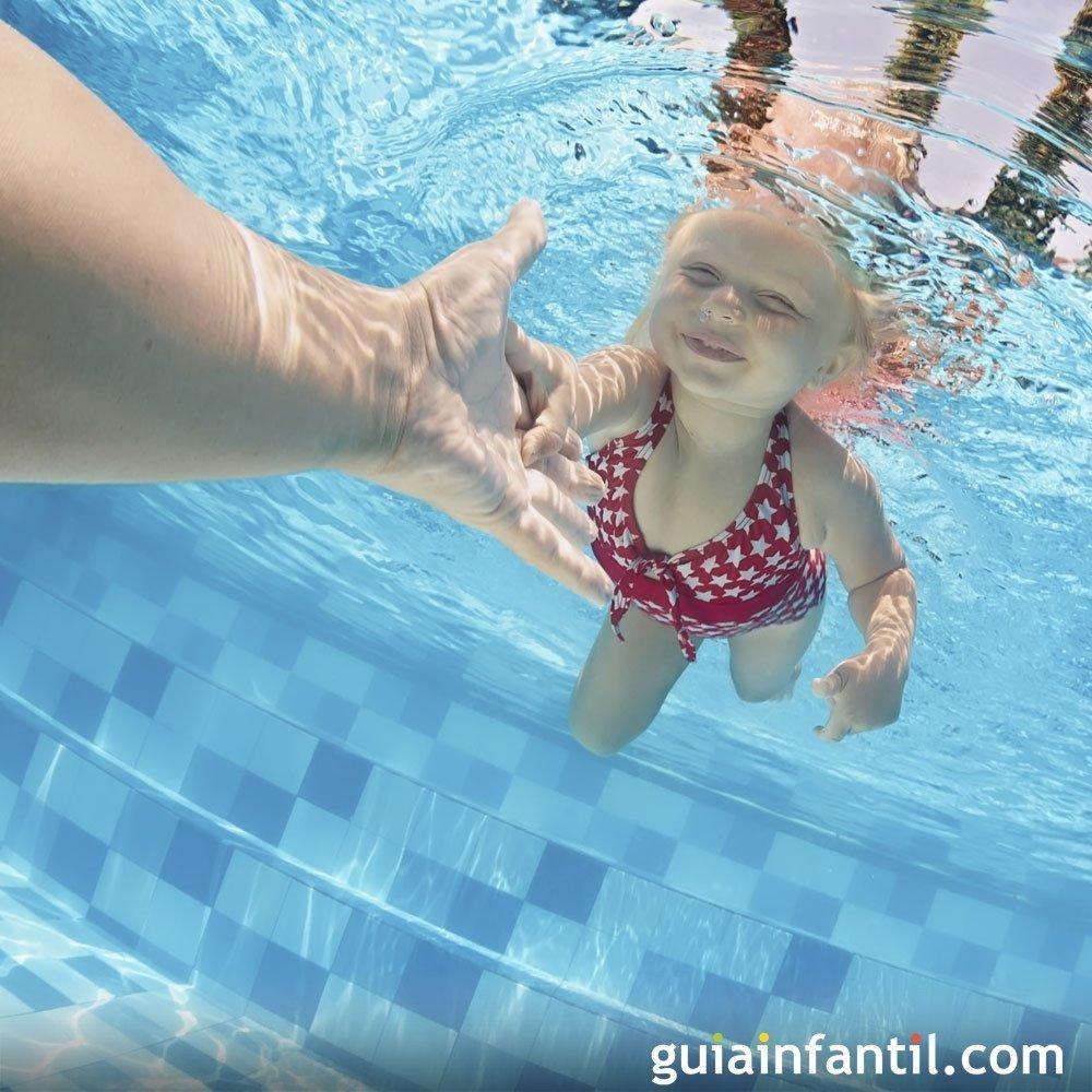 d0f3406c5 7 pasos para enseñar a nadar a un niño