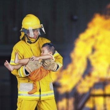 Cómo proteger a los niños en caso de incendio