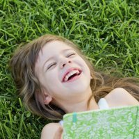 Cómo un libro puede hacer más feliz a un niño